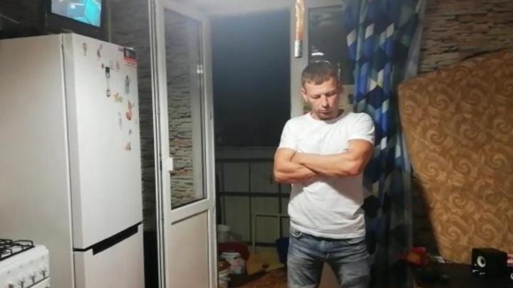 Полицейские нашли мужчину, который избил своего сына в центре Волгограда