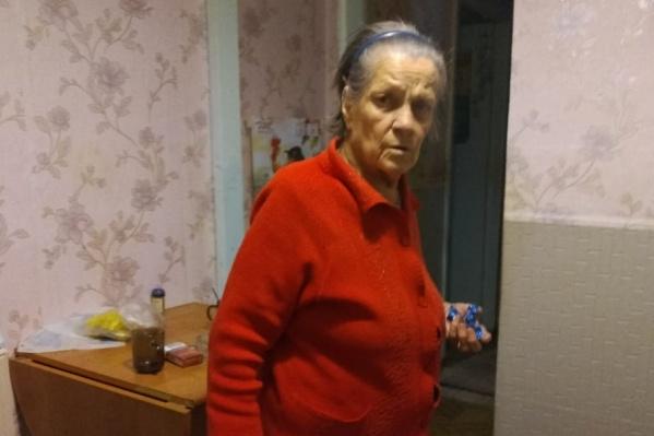 Мария Александровна хромает на обе ноги и страдает частичными провалами в памяти