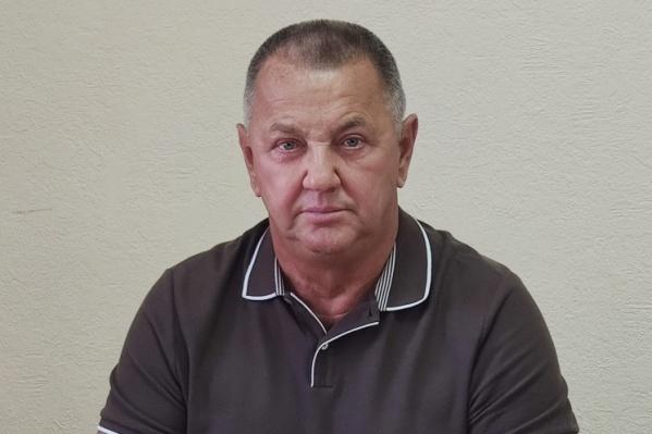 Сергей Вакарин был депутатом городской думы Тобольска. Сразу после аварии он утверждал, что за рулем сидел его сын