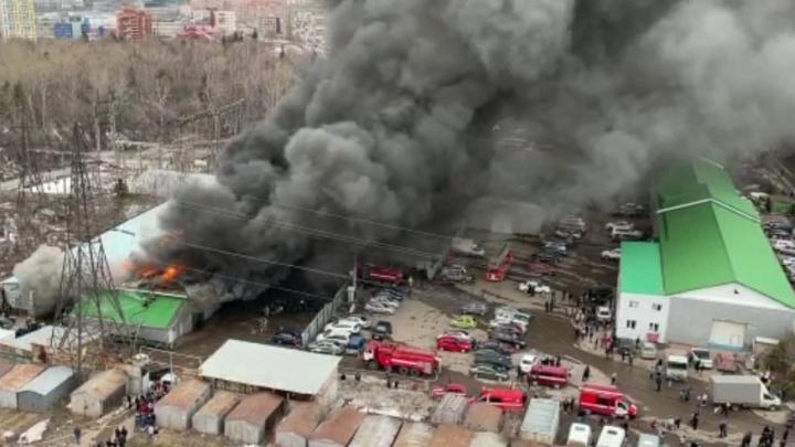 В Уфе потушили пожар, который было видно даже из поселка Чишмы. Подробности от МЧС