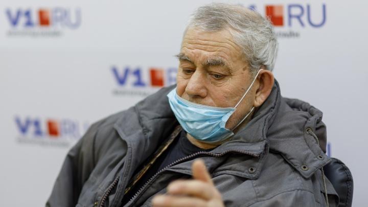 «Ребята, похоже, я скоро буду бомжом»: в Волгограде любовь к кондуктору автобуса оставила инвалида без квартиры