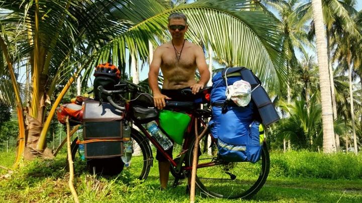 Ухаживал за пандами и жил в монастырях: пермский путешественник рассказал, как на велосипеде добрался до Таиланда