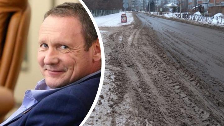 «Пыль оседает в бронхах»: депутат-онколог заявил, что песко-соляная смесь для человека хуже реагентов