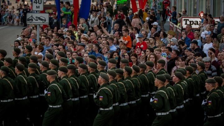 Участников парада 9 Мая-2021 в Новосибирске привьют от коронавируса