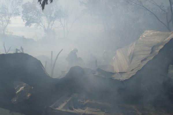 Выгорело 7 построек