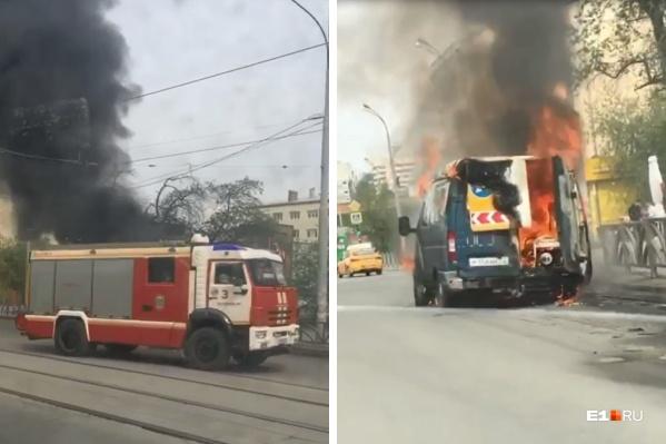 По словам очевидцев, на автофургоне приехали дорожные рабочие