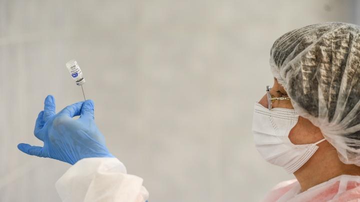 Начнут ли в Свердловской области вакцинировать от COVID-19 подростков? Отвечает министр здравоохранения
