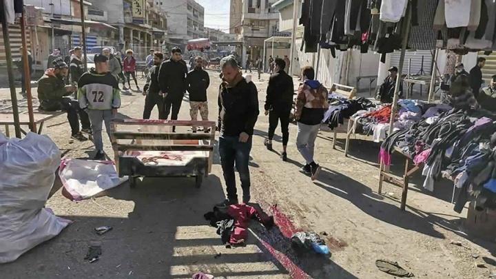 Смертники устроили теракт на рынке Багдада. Момент взрыва попал на видео