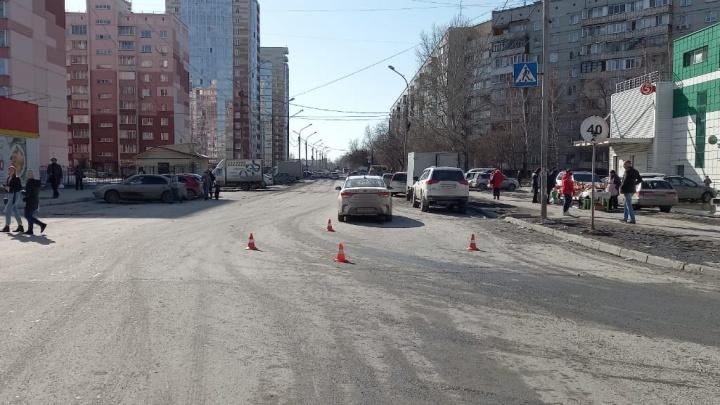 Две девочки попали в больницы после ДТП в Новосибирске