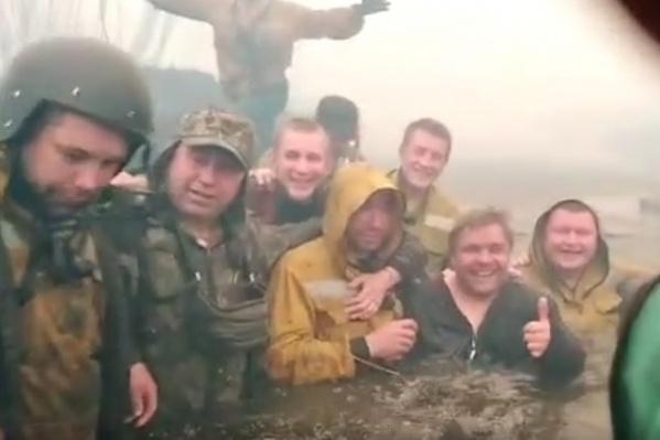 Пожар настиг тюменцев в Вагайском районе. Спастись от дыма удалось в реке