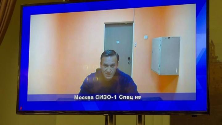 Суд оставил под арестом Алексея Навального