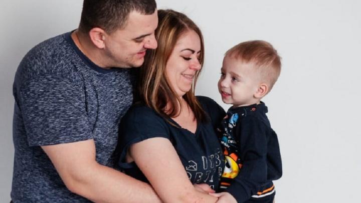 «Если мы ничего не сделаем, то сын умрет»: мама малыша со СМА рассказала о страшной генетической аномалии