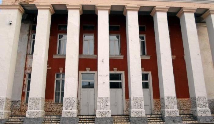 В Ачинске сгорело историческое здание, годами стоявшее бесхозным