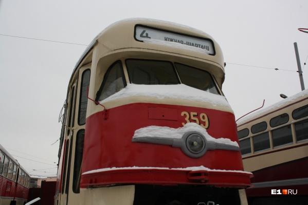 Водители ответили мэру на его критику старых трамваев