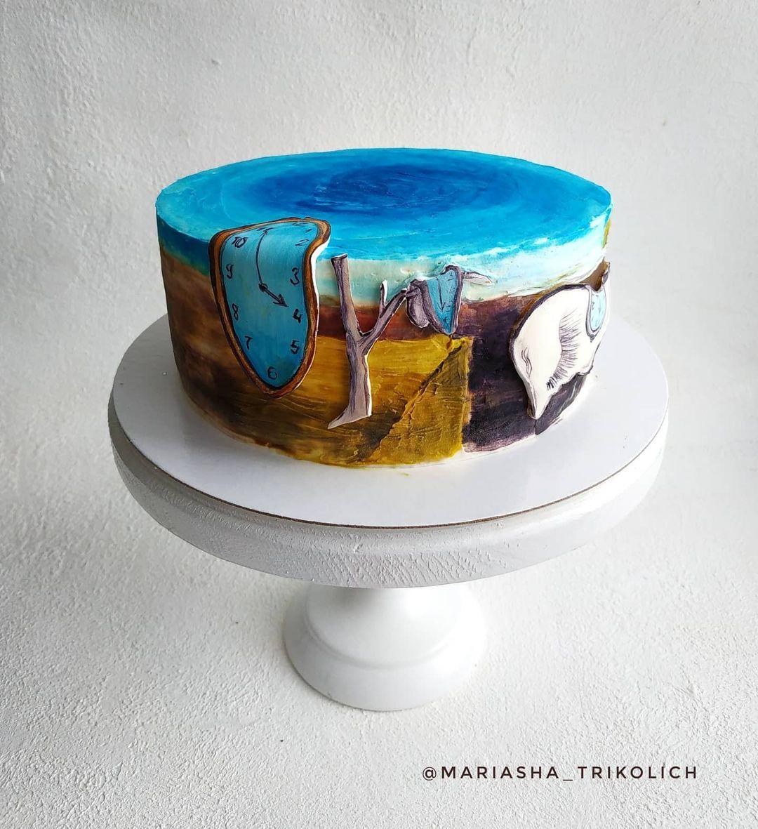 На торте по картине Сальвадора Дали «Постоянство памяти» есть объемные элементы