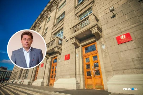 Роман Дронов работал в департаменте с 2016 года, а в 2017 году стал его начальником