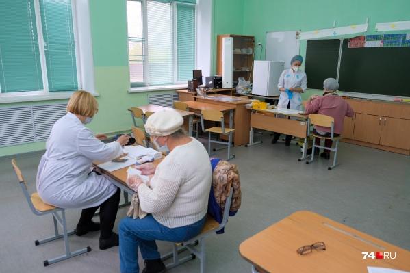 В России уже зарегистрированы случаи гриппа. Прививаться в этом году нужно не только от ковида, а от обоих вирусов