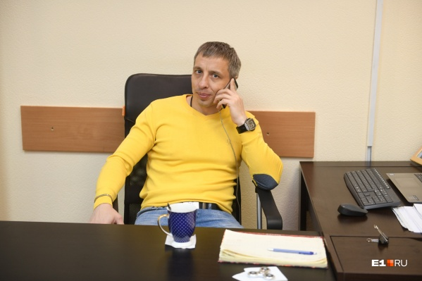 Надежда Михайловна заявила, что Шумилов предложил ей выставить квартиру на торги. Сам юрист это отрицает