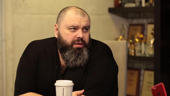 Продюсер Максим Фадеев попросил губернатора Волгоградской области спасти автора известных песен