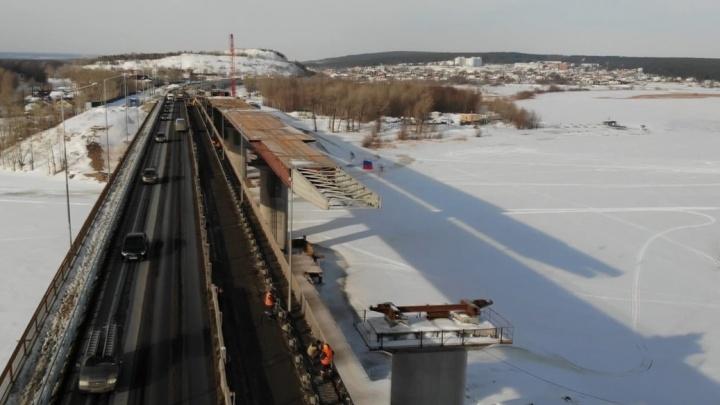«Финальные аккорды надвижки»: рабочие построили большую часть перекрытий нового моста через Сок