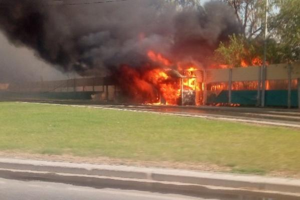 Пожар сфотографировали из машины