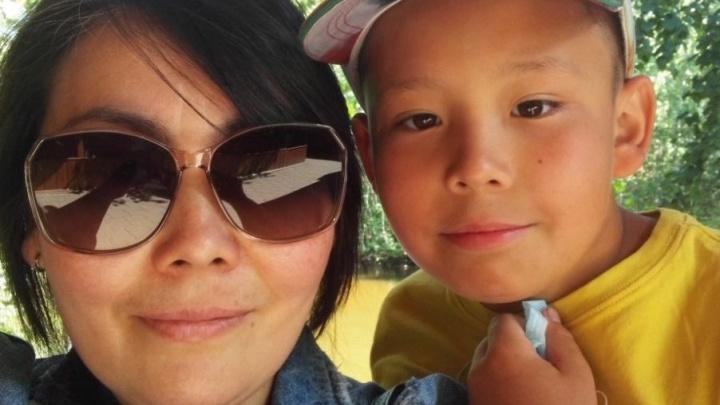«Мы в пробке, а ему всё хуже»: полицейские помогли нижегородке срочно отвезти раненого сына в больницу
