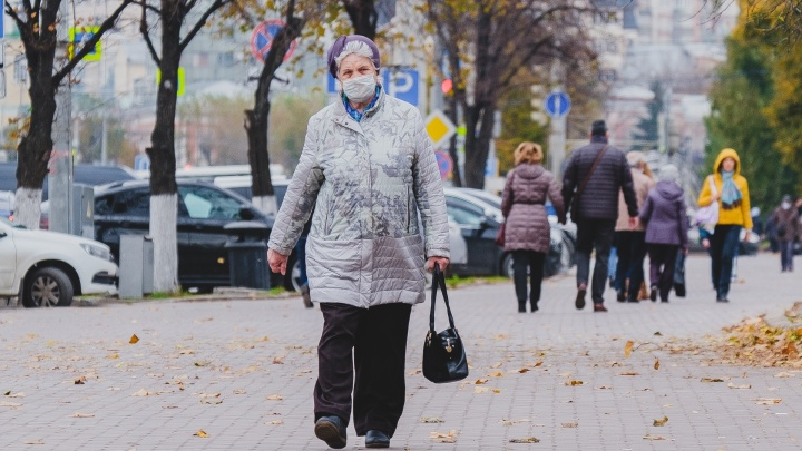 Пишут, что в Пермском крае ввели обязательную самоизоляцию для людей старше 65 лет, не привитых от коронавируса. Это правда?