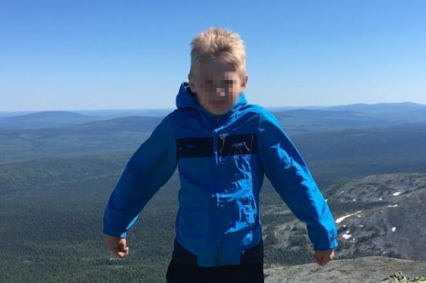Девятилетний сын священника заблудился в горах во время похода с отцом