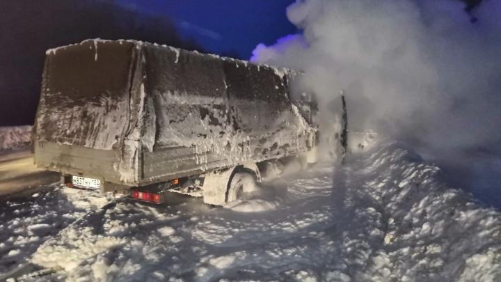 В Лысковском районе машина загорелась после ДТП: два человека погибли