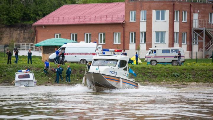 На пляже около Заельцовского парка найден труп мужчины