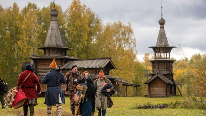 В Академгородке построили средневековую деревню