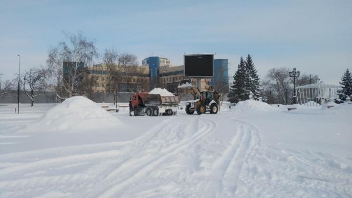 В центре Красноярска перекроют движение и запретят парковку 31 января — публикуем карту перекрытий