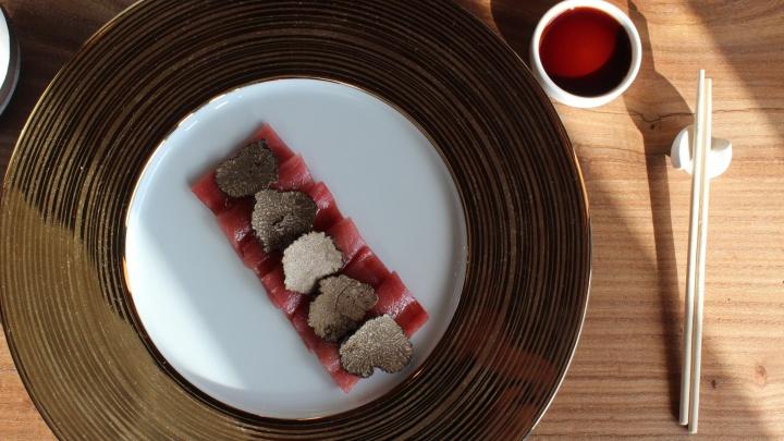 В Новосибирске заработал японский ресторан с блюдами за 10 тысяч рублей — кто туда ходит
