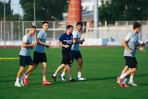 Футболисты вернулись в Волгоград, но пока еще не выходили на поле «Волгоград Арены»