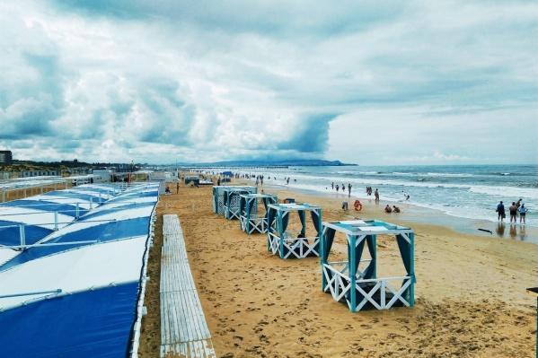 На пляже в Витязево 5 июля купание запрещено