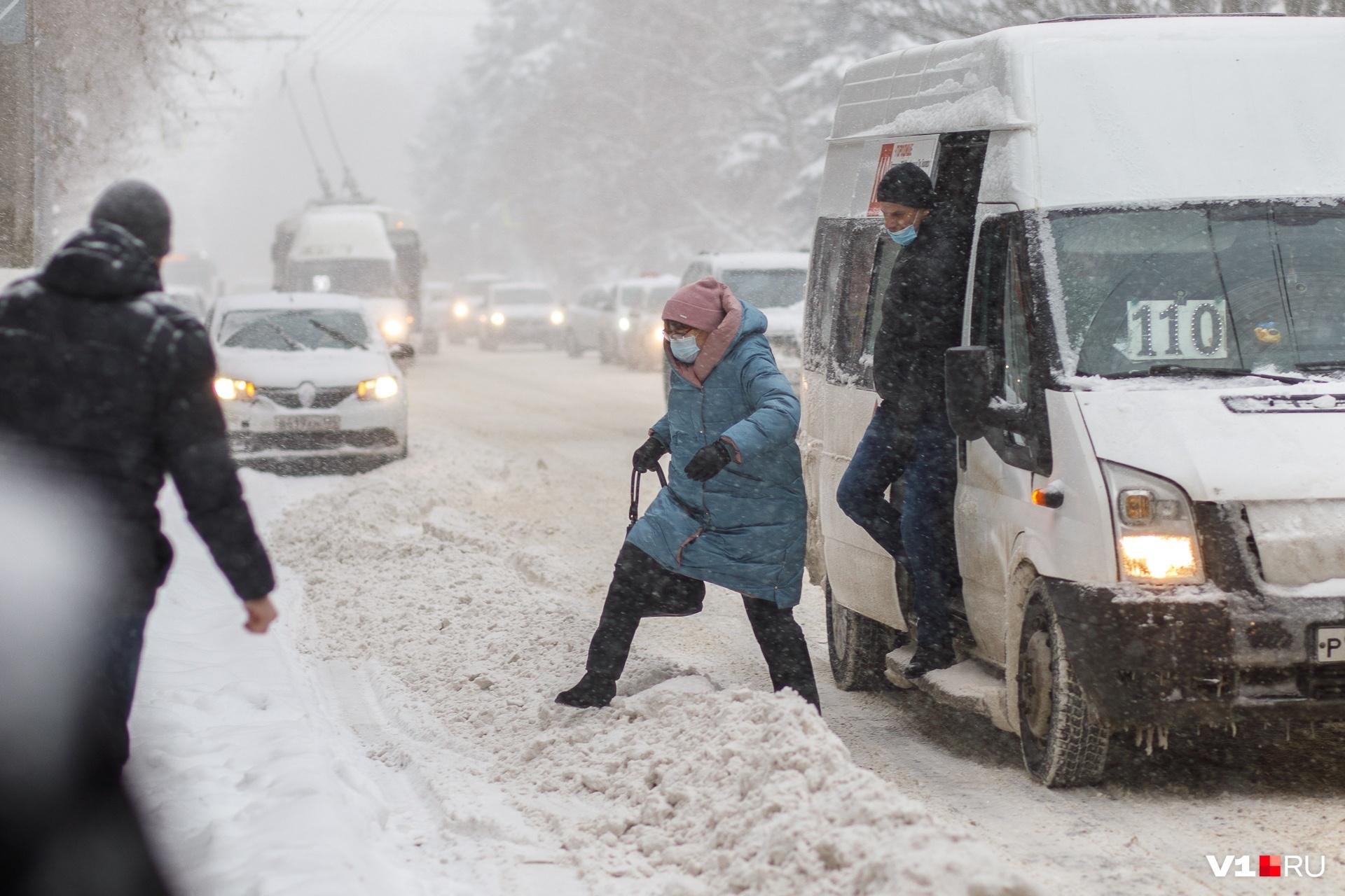 Не каждый снежный завал было легко перешагнуть