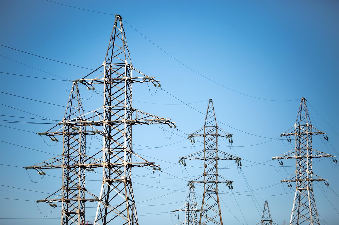 Водопроводчики берутся за провода.…