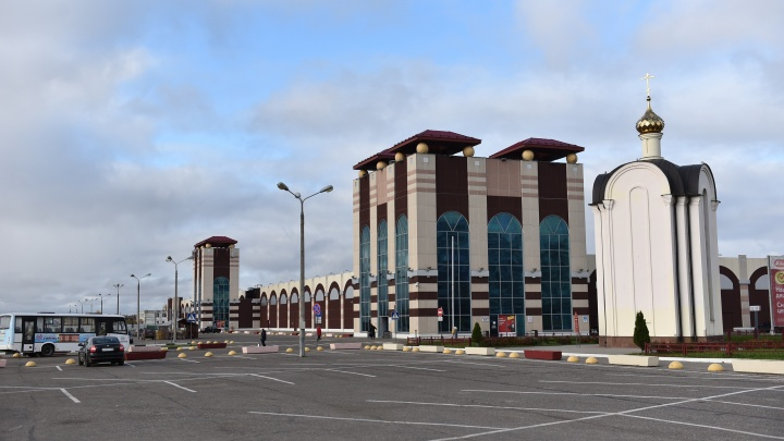 Парковки станут меньше: в Ярославле власти изменили нормативы по машино-местам у торговых центров