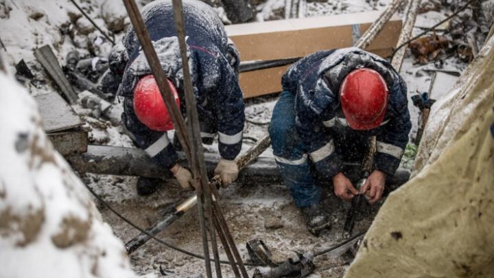 Десятки домов остались без тепла на улице Бурденко в Новосибирске — объясняем, что происходит