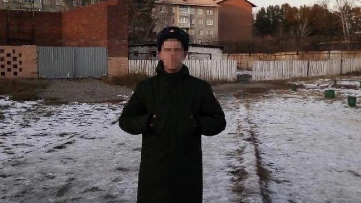 «Если родители узнают, посадят на электрический стул»: гей из Екатеринбурга — о службе в армии и любви