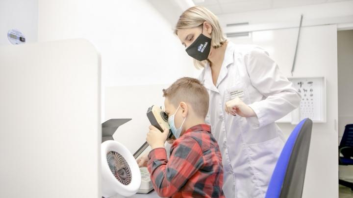 «Не ту болезнь назвали пандемией»: детский офтальмолог о том, куда приведут гаджеты