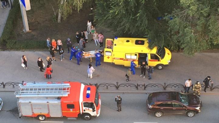 В центре Тюмени иномарка сбила велосипедиста