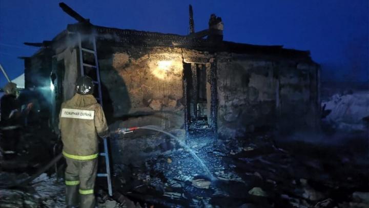 Прокуроры возбудили дело на сузунского чиновника из-за пожара, в котором погибли трое мужчин