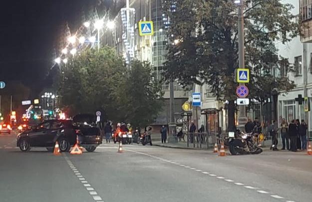 Байкер летел на красный: подробности ДТП с мотоциклом на проспекте Ленина