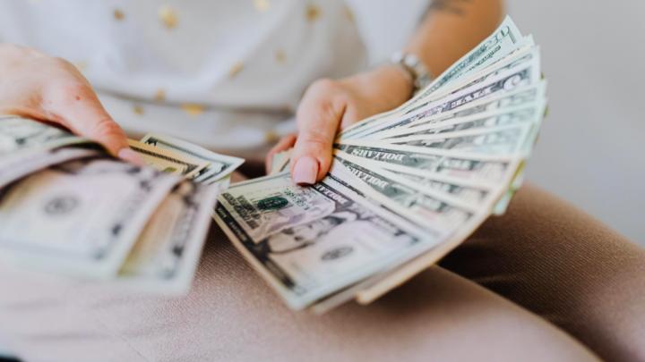 Клиенты «Открытие Брокер» смогут пополнять брокерский счет в долларах и евро онлайн