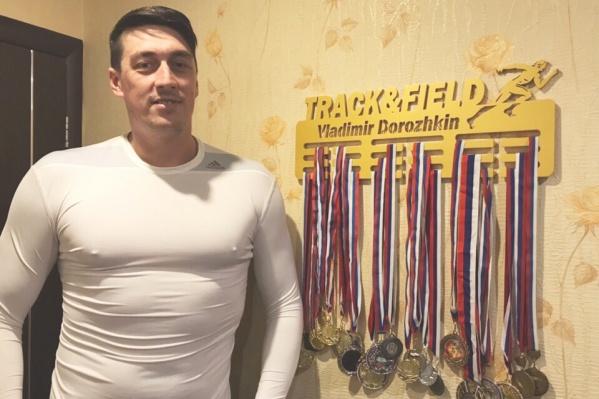 """<nobr class=""""_"""">38-летний</nobr> Владимир Дорожкин работал тренером, но оставался в форме и сам"""