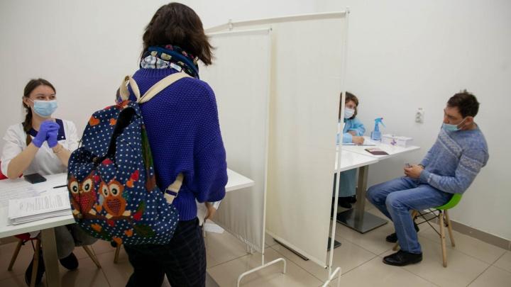 В Тюмени открываются пункты вакцинации от ковида во дворах. Публикуем адреса и даты