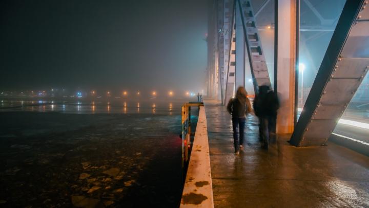 По ночам Северодвинский мост снова закрывают для транспорта из-за ремонта