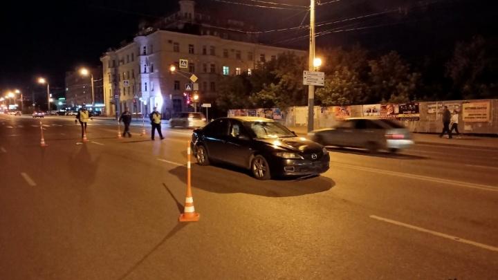 На Декабристов водитель без прав сбил пешехода на светофоре