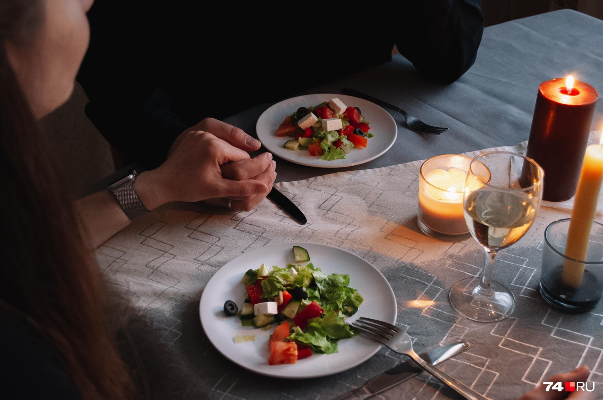 Не нагружайте желудок — иначе просто не сможете подняться из-за стола